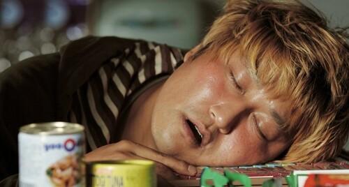 잠 잘 때 침흘리는 이유는 뭘까?