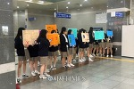 서울YMCA, 지하철 가방 앞으로 메기 캠페인 진행