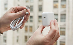 애플 짝퉁 USB 충전기 중 99%가 위험하다