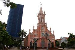 베트남 다낭 대성당 핑크성당으로 유명 퓨전 스위트 다낭 비치에서 숙박
