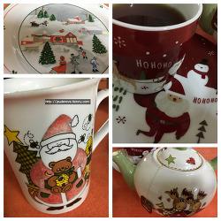 차와 간식을 위한 크리스마스 컵, 접시, 티팟