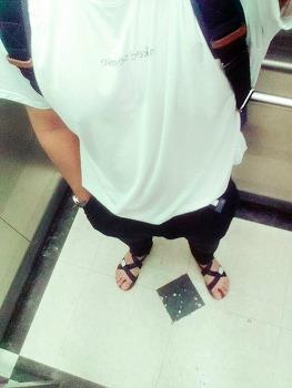 [커스텀멜로우] 반팔 티셔츠 + [지오다노] 치노팬츠 + [보세] 스포츠 샌들 / 2015. 08. 18