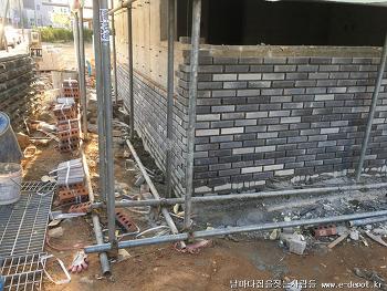 운양동 전원주택건축사례 중 외부치장벽돌쌓기와 스타코플렉스시공