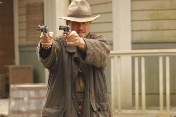 '돈 라이더: 분노의 총잡이 Dawn Rider, 2012' 크리스찬 슬레이터의 B급 복수극