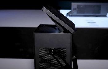 웹OS를 적용한 초고화질 LG 4K UHD 프로젝터(HU80KA)로 150인치 대화면 즐겨보면 어떨까?