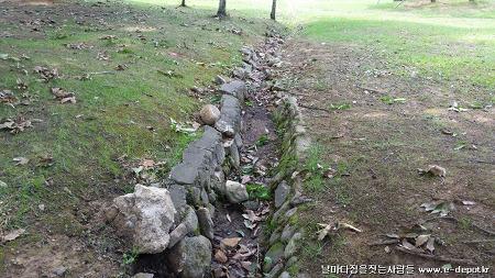 일산 정발산공원 배수로 호박돌보수공사사례 [집짓기/집수리/보수공사/건축적산/공사견적]