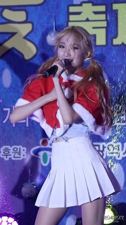 [17.12.24]울산눈꽃축제 홀릭스(HOLICS) 펑키덩키 민아 세로직캠 by RoadRock