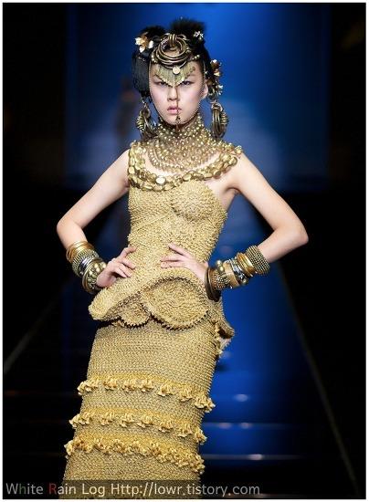 파리지엥보다 더 우아한 아시아 패션의 멋