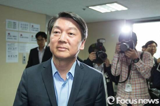 보수 3당 체제의 개막, 한국은 한 발짝 더 오른쪽으로