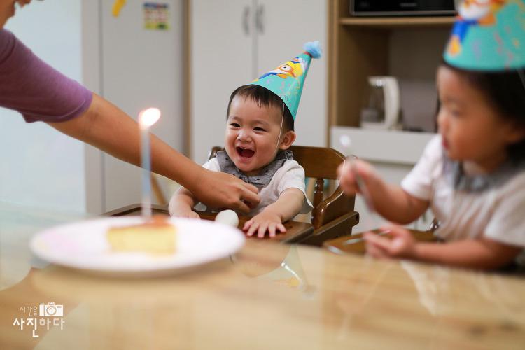 동동이의 진짜 첫생일을 집에서 자축했보았습니다 ^^