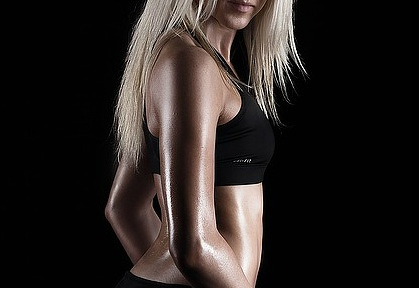 여자의 섹시한 어깨라인 만들기 운동법