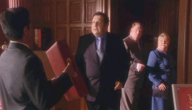 닥터후 시즌1 4화 인간들로 위장한 외계인들