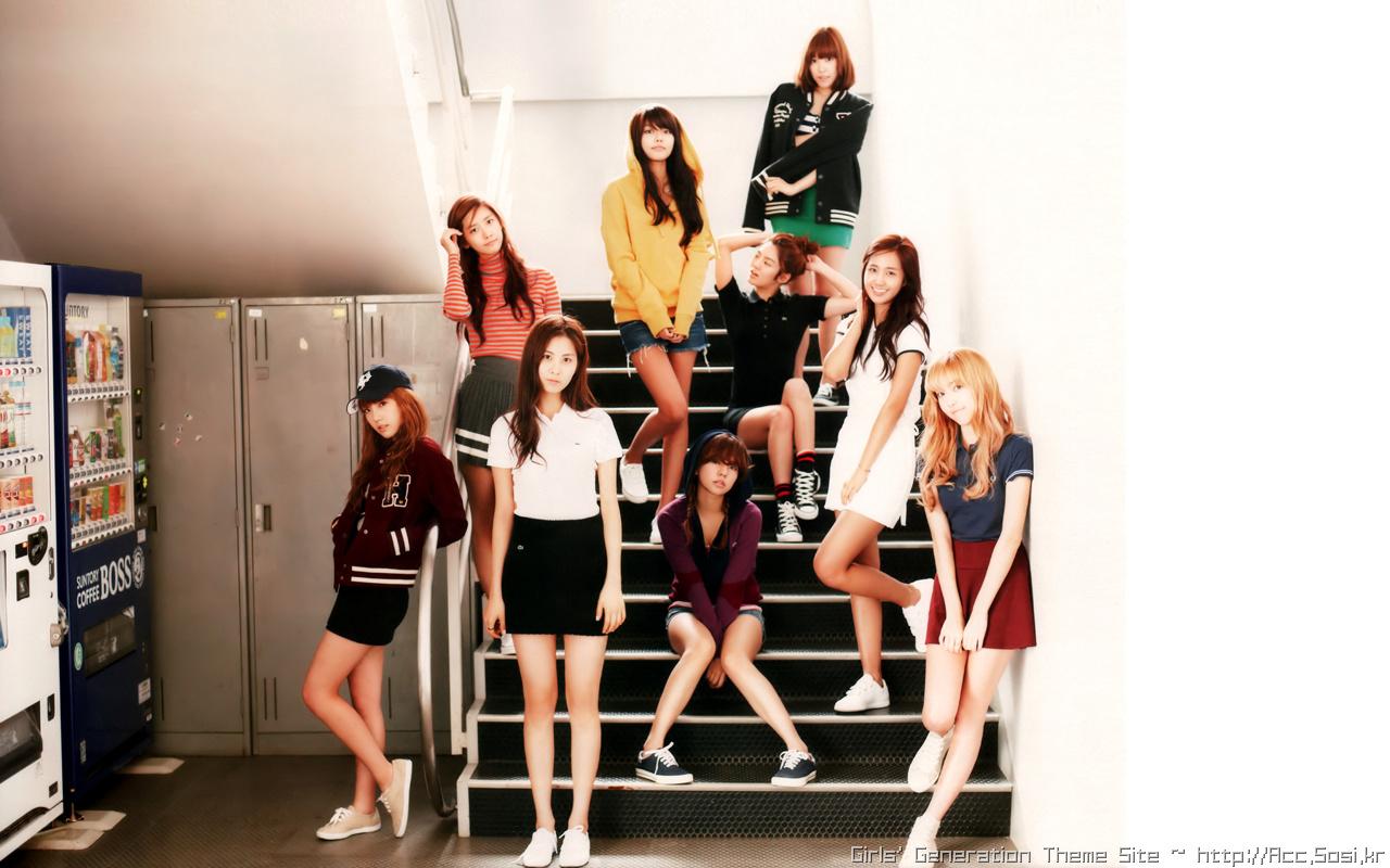 """[C1323] 1st PhotoBook """"少女"""" 1 (소녀시대)"""