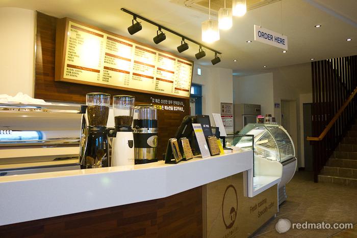 커피거리 유명한 강릉항(안목항)을 찾아서 - 카페 산토리니 방문기