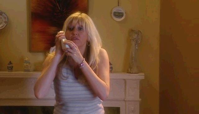닥터 후 시즌1 1화 ( Doctor Who ) 잭키 타일러             로즈 엄마