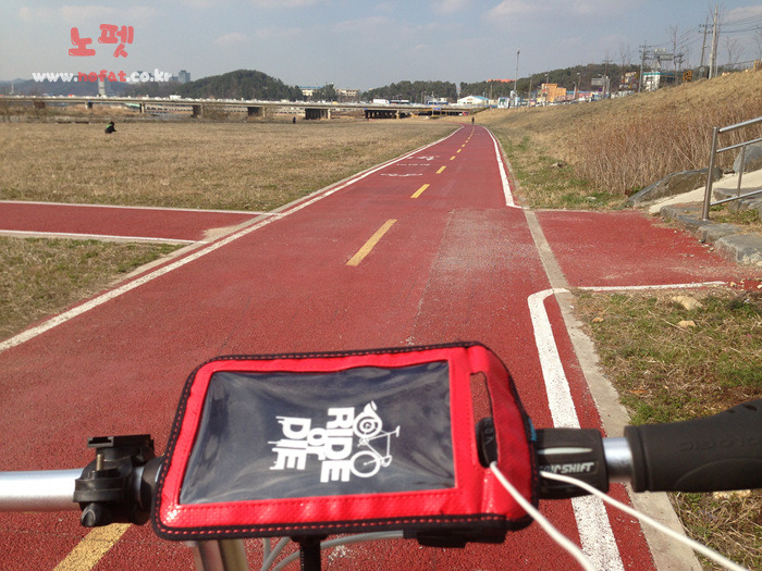 공복 자전거 다이어트 실제 운동하는 모습 이미지