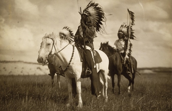 사진: 러시모어의 유래는 미국의 침략사에 있다. 수우족은 피해자이며, 전설적인 추장 크레이지 호스의 죽음으로 수우족은 역사에서 사라졌다. [러시모어산의 유래와 비밀의 방]