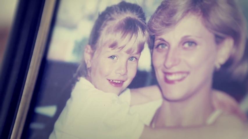 대학진학을 위해 멀리 떠나는 딸을 위한, 엄마의 어머니날 선물 - 일렉트로룩스(Electrolux)의 어머니날/마더스데이(Mother's Day) 바이럴 필름(Viral Film), '최고의 어머니날 선물(Best Mother's Day present)'편 [한글자막]
