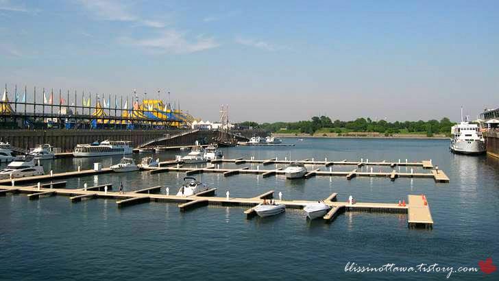 몬트리올 구 항구입니다