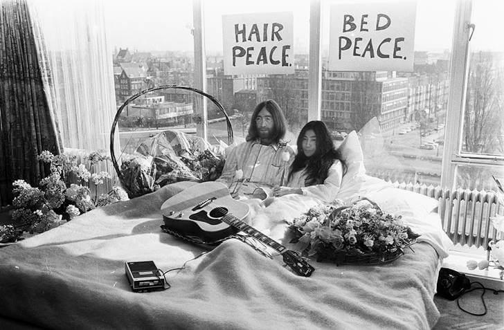 존 레논과 오노 요코의 침대 시위를 벌인 호텔입니다