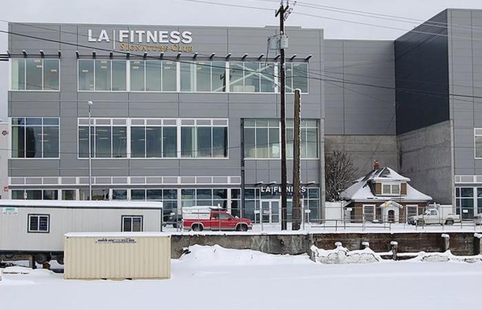 사진: 영화 업의 실화로 알려진 곳의 실제 풍경. 시애틀은 북쪽지방에 있어서 겨울에는 눈이 많이 온다. 왼쪽 아래에 눈 쌓인 실화의 집이 보인다. [영화 업 실화의 훈훈한 뒷얘기]
