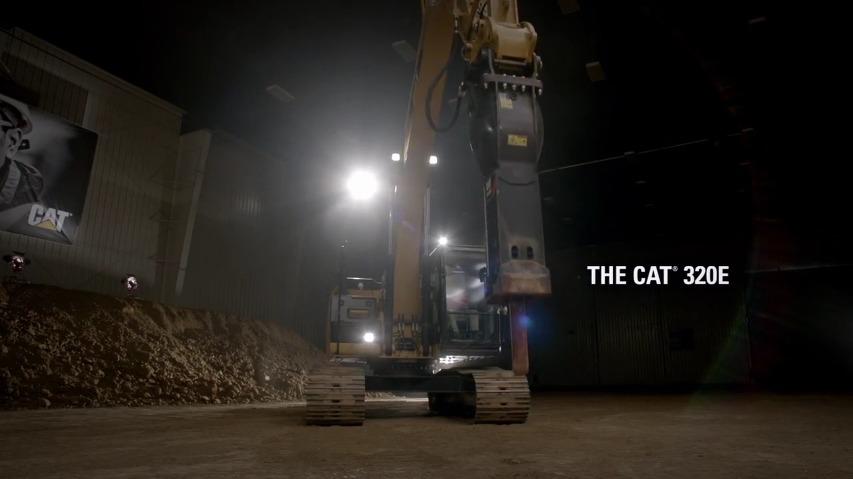 중장비로 세계최대의 젠가(Jenga)게임을 한다! - 중장비 브랜드 캐터필러(Caterpillar)의 바이럴 영상, Built For It Trials - Stack: Largest JENGA® [한글자막]
