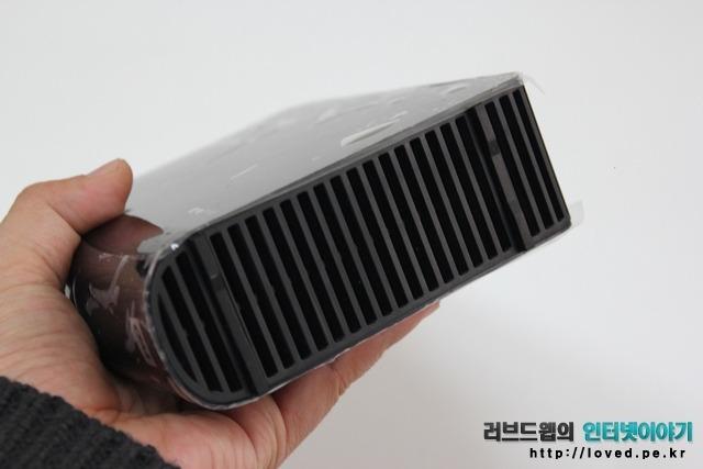 WD 외장하드 마이북 이센셜 에디션 2TB 디자인