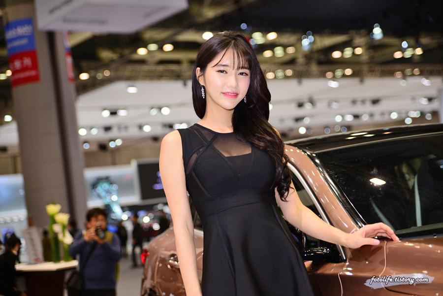 [2017 서울모터쇼] 인피니티 Q30 레이싱 모델 임솔아