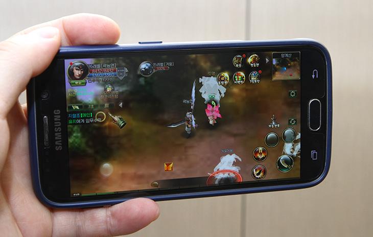 미뮤 ,앱플레이어 ,천검 ,게임, PC 게임, 즐겨보자,IT,IT 인터넷,모바일,스마트폰 게임을 PC에서 즐길 수 있습니다. 더 빠르고 재미있게 할 수 있죠. 미뮤 앱플레이어를 이용해서 천검 게임 PC 게임처럼 즐겨보도록 하죠. 정식 서비스가 나오면서 방법이 어렵지 않아 졌는데요. 게임 외에도 다양하게 활용할 수 있습니다. 미뮤 앱플레이어 천검 게임을 해 봤는데 스마트폰으로 하면 들고 계속 있어야 하는데 이제는 PC로 할 수 있어서 더 편하네요. 그리고 엄청 빠릅니다. 컴퓨터는 보통 사양이 좋죠. 스마트폰 사양과는 비교가 안될만큼 빠르게 게임을 할 수 있습니다.