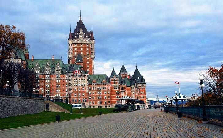 도깨비 해외 촬영지 퀘벡 페어몬트 호텔입니다