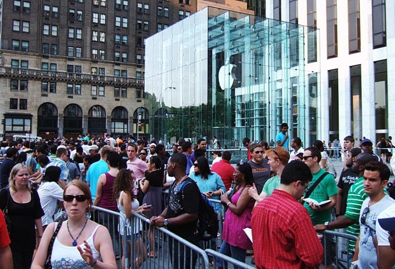 아이폰6를 기다리는 사람들, 애플의 브랜드 파워