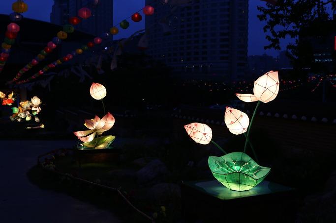 봉은사 전통등 전시회 연꽃등