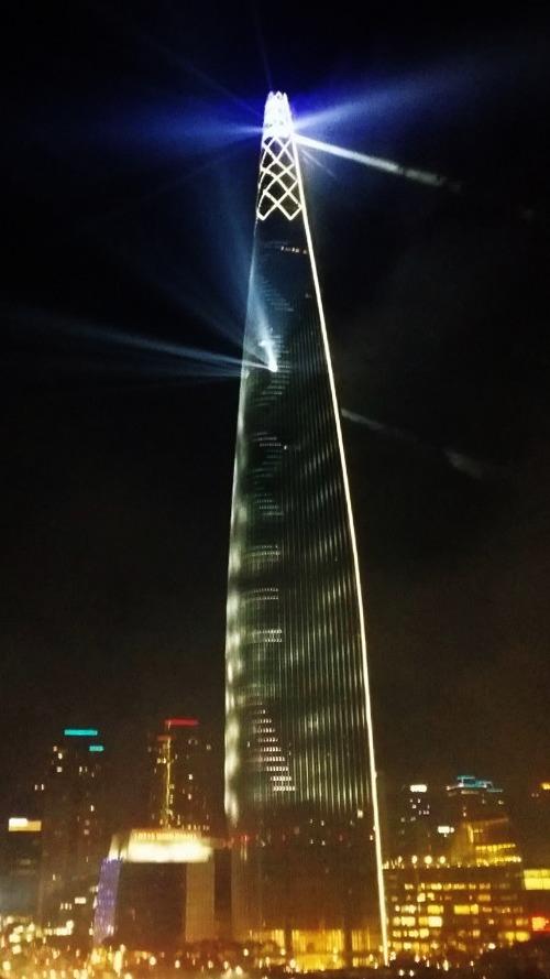 4월의 밤,  4톤의 화약, 40억, 40만명이 지켜본  롯데 월드 타워 불꽃 축제, 불꽃놀이