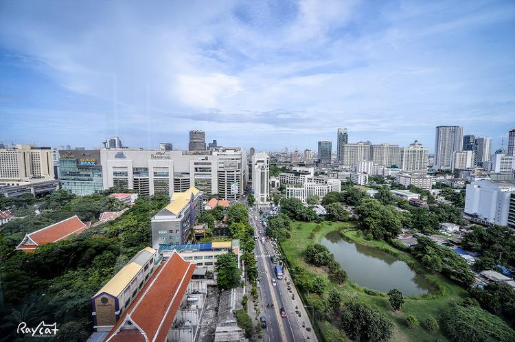 센트라 그랜드 호텔 23층에서 보는 방콕 시내