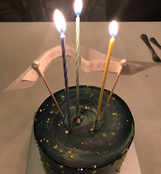 탑 최승현 생일 축하 케잌