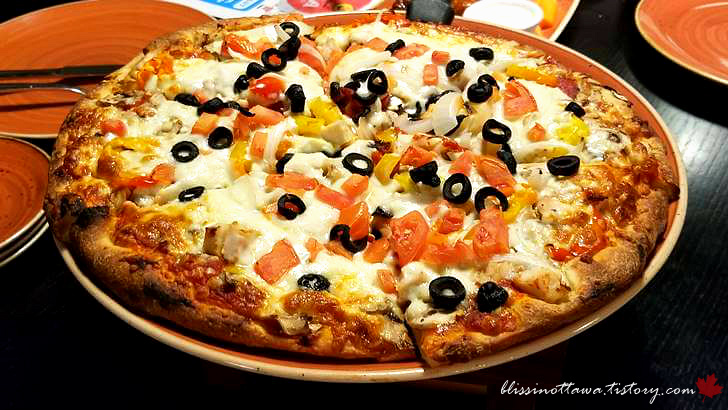 파히타 피자입니다