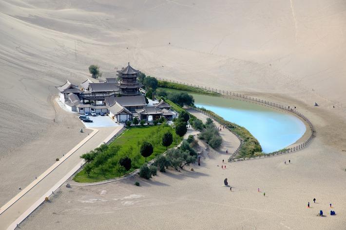 2천년 동안 사막에 삼켜지지 않은 호수의 비밀