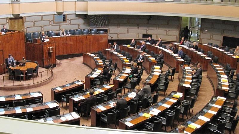 사진: 입법은 필요한 법을 만드는 것이지만, 의회 정당의 구성에 따라 특정한 방향으로 흐른다.