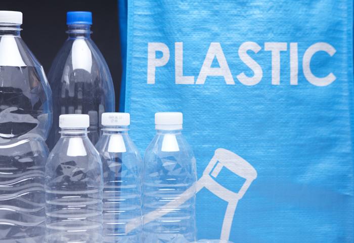 생수 살 때 바닥을 확인해라? 플라스틱 어디까지 아시나요?